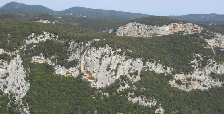 """il """"mare"""" di roccia per arrampicare a Finale Ligure"""