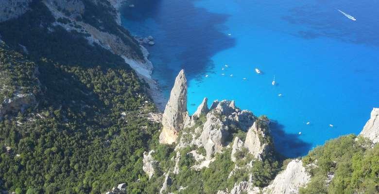 La guglia di Goloritzè, il bellissimo obelisco di roccia che rappresenta l'arrampicata in Sardegna!!!