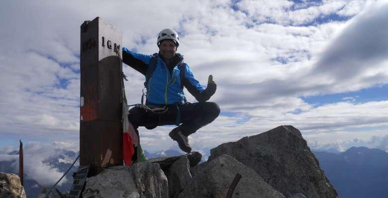 Sulla cima del Monte Disgrazia 3678m.