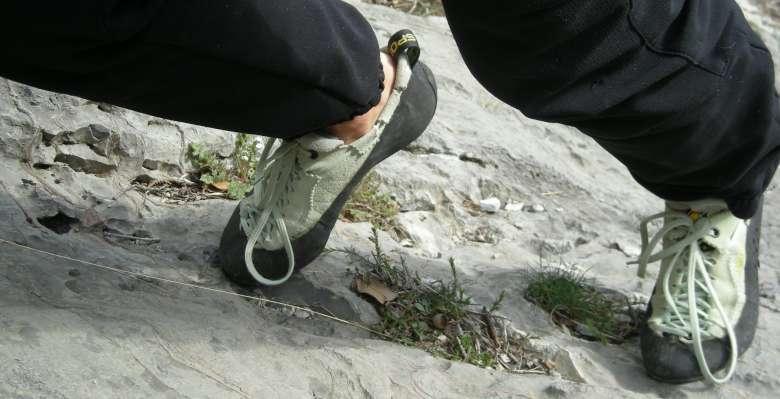 usiamo bene i piedi, durante il corso di arrampicata base