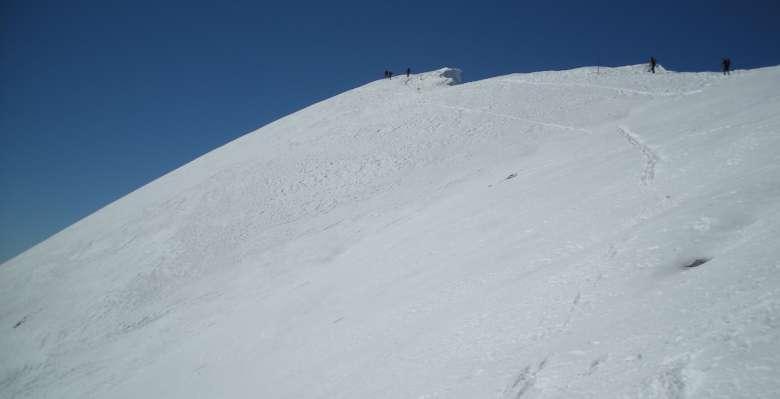 Salendo in inverno verso la cima del Grignone