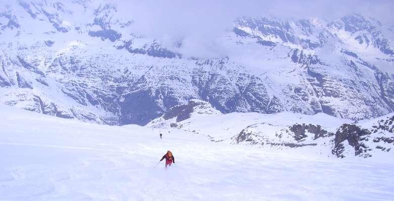 scialpinismo: in discesa lungo i bei pendii del Gran Paradiso