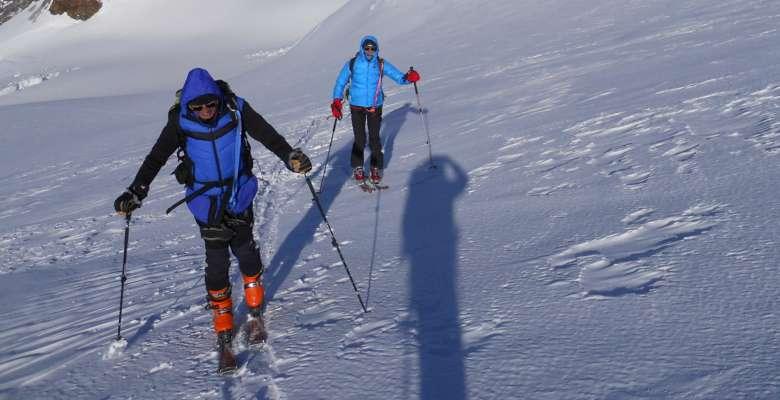scialpinismo: verso la Capanna Margherita 4.559m. al Monte Rosa