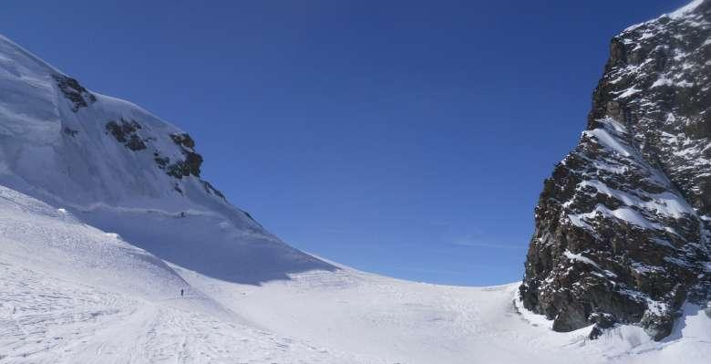 Il colle della Porta Nera (3.730m.)