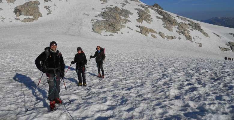 Salendo verso la cima della Presanella 3.558m.