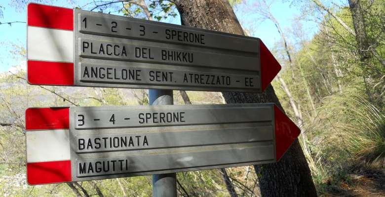 le chiare indicazioni per raggiungere i diversi settori dello Zucco dell'Angelone